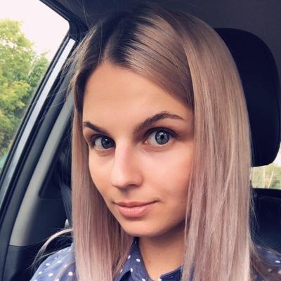 Лена Ефимова