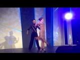 А вот такое танец увидели гости вечеринки Домрачевой и Бьорндалена! Красота! :)