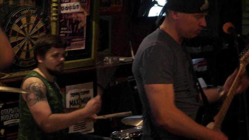 Группа Кадры cover гр Кино Irish Papa's Pub Стук