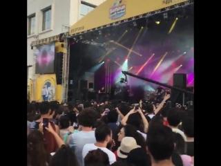 KaraSevda mizin yıldönümüne yakışan @cemadrian dan canlı performans. - NihKem imimizin dugunlerinin ilk dans müziği
