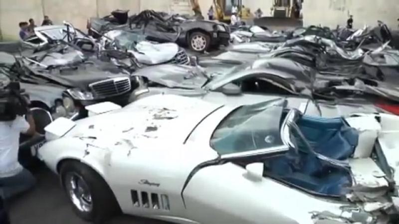 На Филиппинах уничтожили контрабандные автомобили на сумму 1,2 млн. долларов