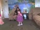 маленькая чеченка танцует лезгинку,учитесь девчёнки!