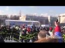 Флешмоб столичных пожарных и спасателей на катке ВДНХ.