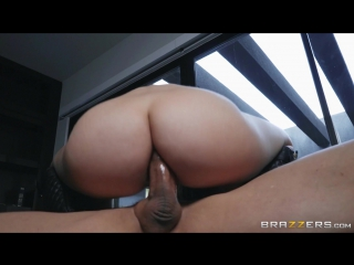 Valentina Nappi & Tommy Gunn (Undercover Ass)