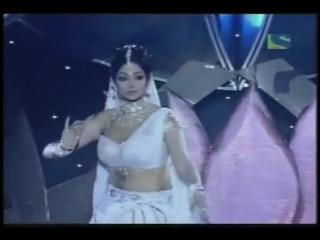 Sridevi performs at Filmfare Awards