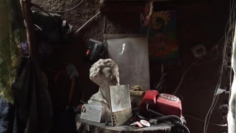 Экскурсия по землянке Отшельника АГИТАТОР навального