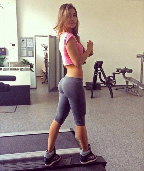 Упражнения для упругости ягодиц  Упражнение