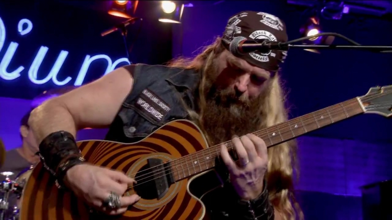 Zakk Wylde -Voodoo Child- w-Les Pauls Trio - Front and Center - YouTube[via torchbrowser.com]