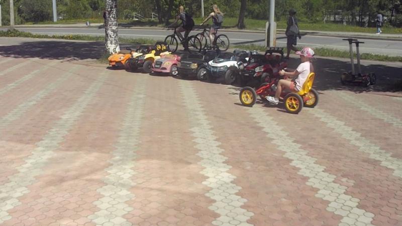 Прокат детских электромобилей, веломобилей, сигвеев.