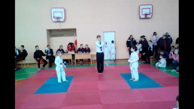 Чемпионат города Макеевки по каратэ -2 бой.