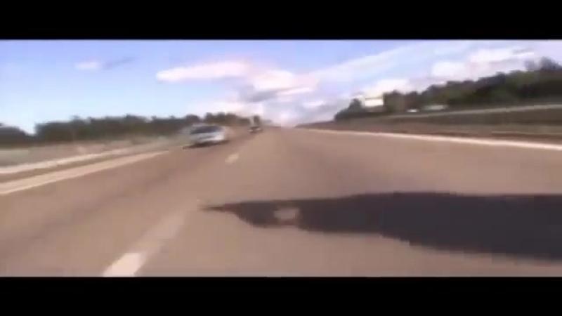 Динамичный клип с мото,приколы на дорогах. (360p).mp4
