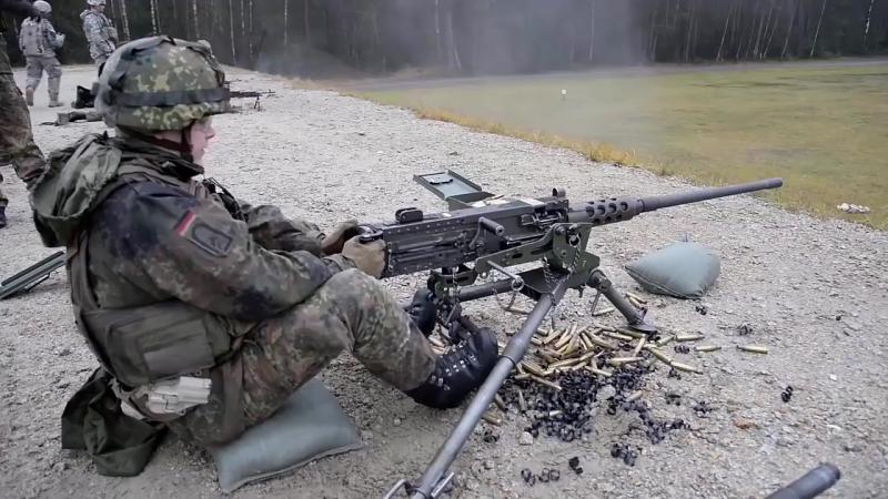 American Soldiers Train German Soldiers On U S Machine Guns