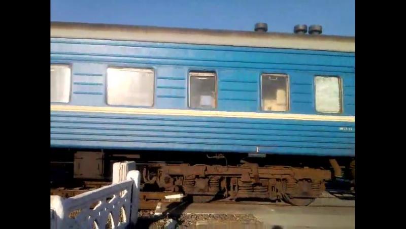 ЧМЭЗ-2337 с вагонами -выезжает с депо РЭП. 05.11.2014