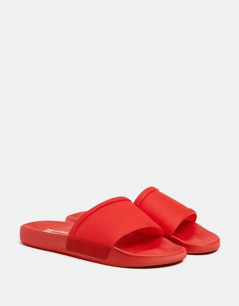 Мужские тапочки красного цвета