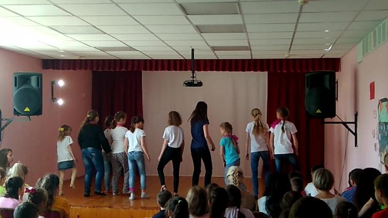 танцевальный батл ( 5 отряд)