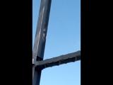 вот так работаем мы настоящие мужик 72 метра над землей