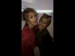 Карди Би и Рита Ора на вечеринке Vanity Fair
