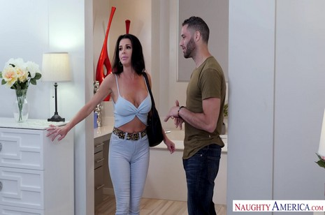 Avluv porn veronica naughty office