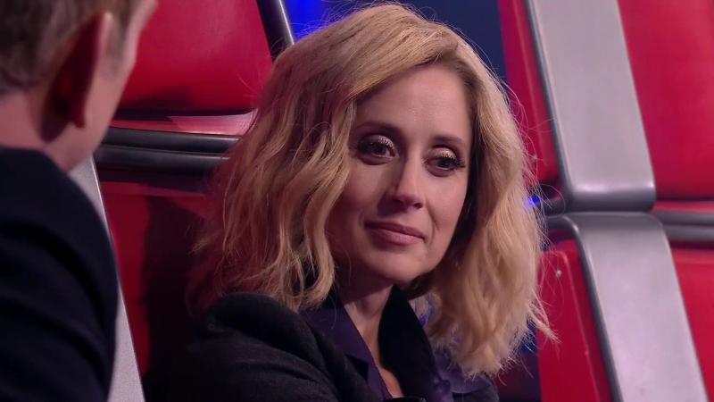 La Voix 6 - Les Auditions à laveugle suscitent beaucoup démotion chez Lara Fabian