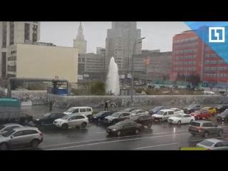 Огромный фонтан в центре Москвы