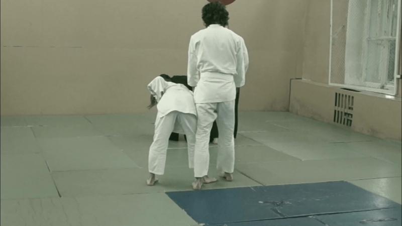 Sinten Ryu Aikijujutsu tachi waza Tsuki jodan ikkio ura
