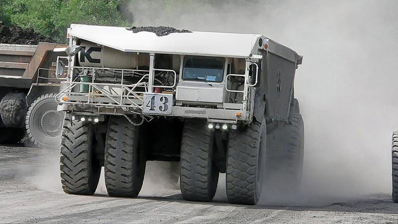 карьерный самосвал с донной разгрузкой Kress 200C Coal Hauler