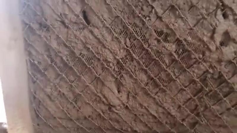 Глиняная штукатурка стен. Первый слой. Домик из соломы
