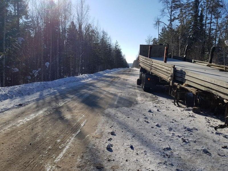 Водитель грузовика погиб в ДТП на севере Томской области