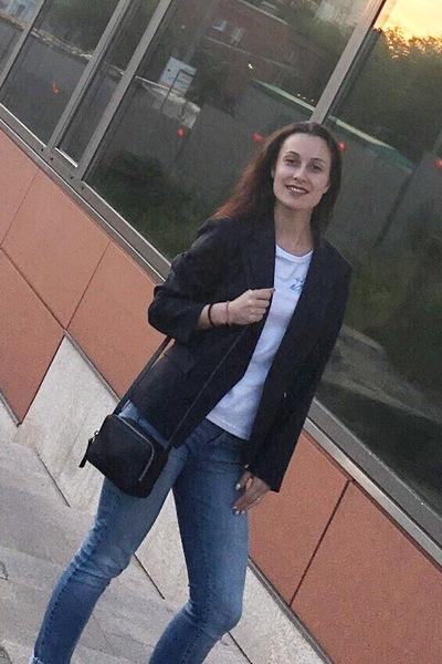 Анна Бухарова