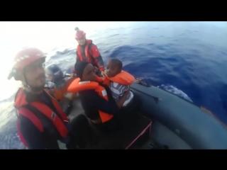 Niederlande entziehen NGO-Schiff seerechtlichen Schutzstatus – Sea-Eye bricht Mittelmeereinsätze ab