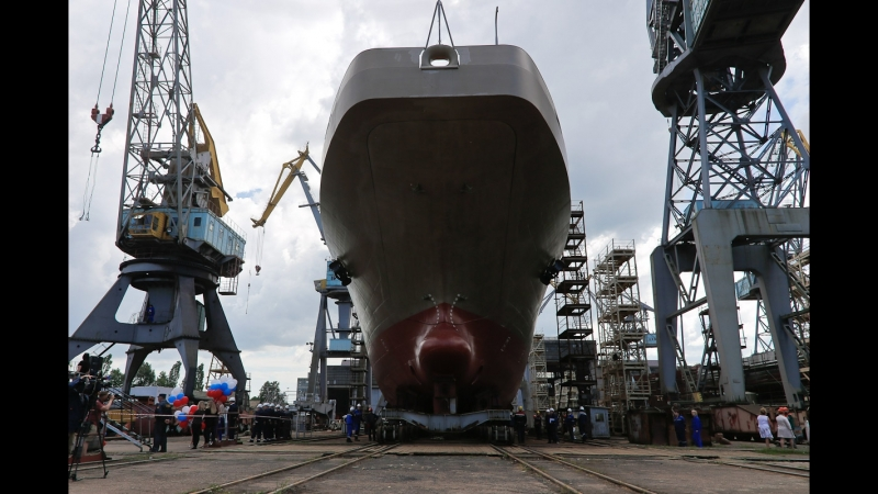 На Янтаре спустили на воду БДК Пётр Моргунов