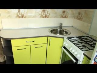 Дизайн маленькой угловой кухни 5 кв. м в современном стиле