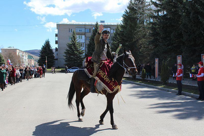 Преподаватель китайского языка доедет из Усть-Джегуты до Мурманска на лошади