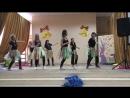 Мамы танцуют на выпускном для своих детей танец ВОКРУГ СВЕТА
