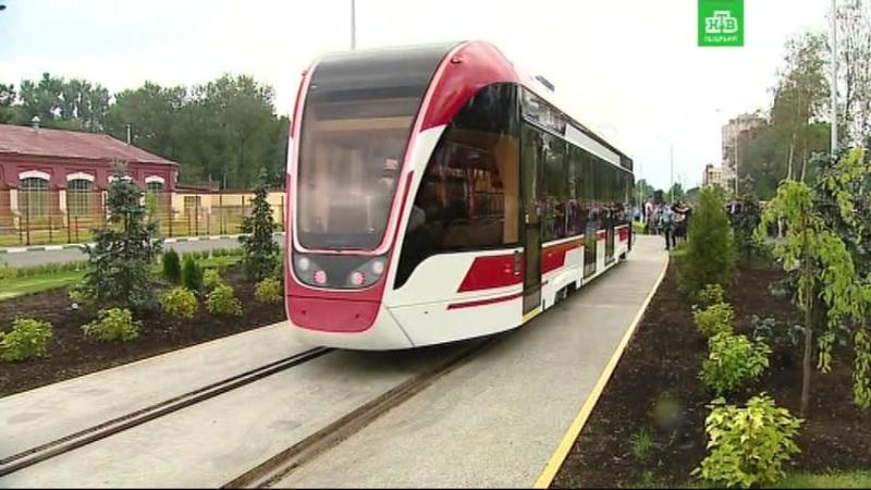 В Петербурге показали трамвайного «Львенка»