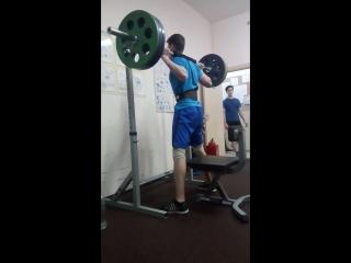 Полуприсед 120 кг на 5 раз, свой вес 85
