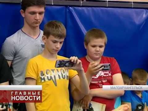 Поветкин открыл спортивный клуб в Малоархангельске