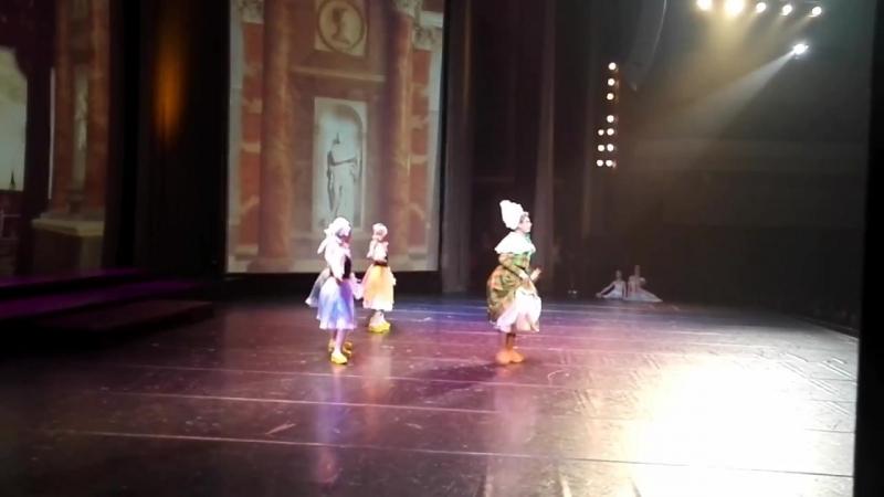 19.02.2017.Танец в сабо. Съемка из-за кулис.