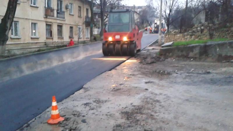 Укладка асфальта по ул.Циолковского в дождь 19.12.2017