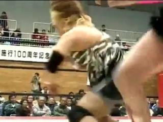 6. Etsuko Mita, Mima Shimoda vs. Kaoru Ito, Momoe Nakanishi (AJW 12.1.2001)