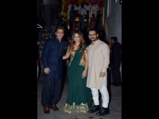 Shah Rukh and Gauri Khan on the Diwali party of Aamir Khan