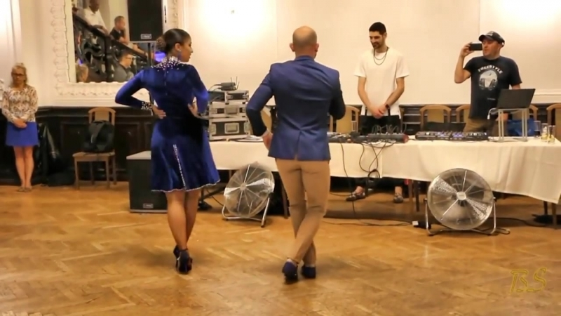 ВОТ ЭТО ТАНЕЦ! Ataka La Alemana танцуют Цыганочку! Микс 2018