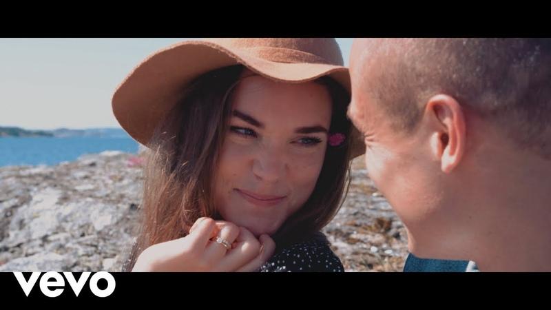 Vion Konger - Chasing the Moonlight ft. Swedish Red Elephant