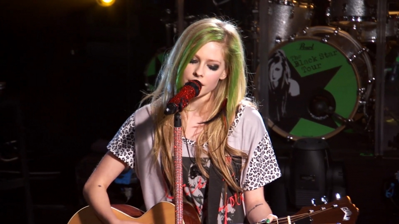 Avril Lavigne - My Happy Ending [AOL Sessions] (FullHD 1080p)