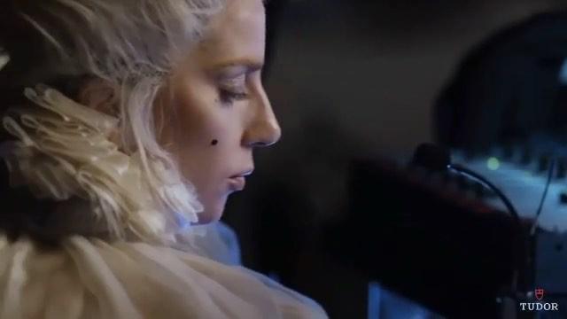 Леди Гага даёт интервью для рекламной кампании часов Tudor Watch