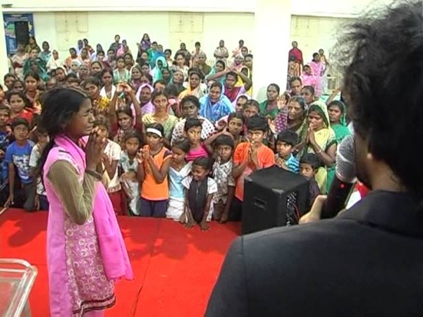 DANIEL MOHAN SINGH - MIGHTY ANOINTING FALLING IN SIVAKASI - MARCH 2013