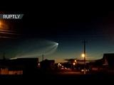 Пришелец, НЛО или Трамп за что приняли в соцсетях след от ракеты Союз в небе