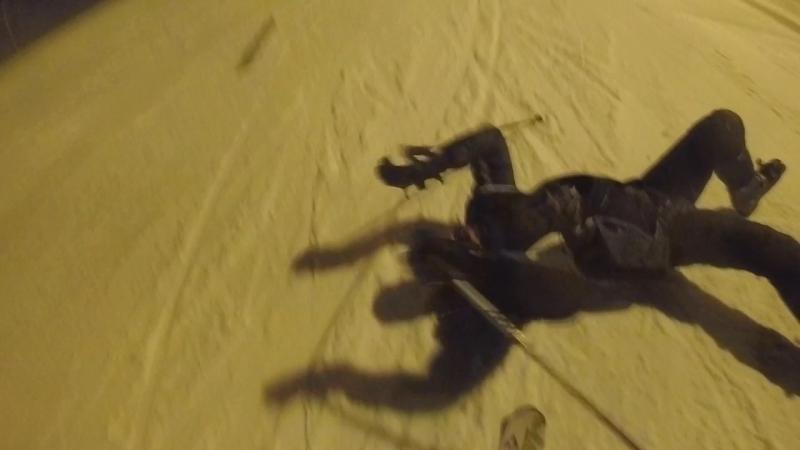 Одна з причин чому я полюбив зиму- це лижний спорт!🎿⛷☃️ Коли ми катаємось з братом, це завжди дуууже весело і травматично 😁