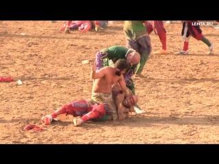 Итальянцы забили на футбол и переключились на кальчо