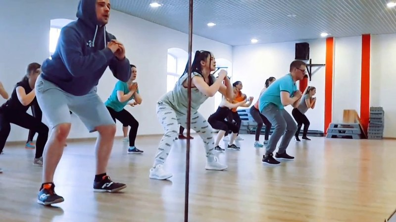 Functional fitness beginner's class by IRYNA BUIKO